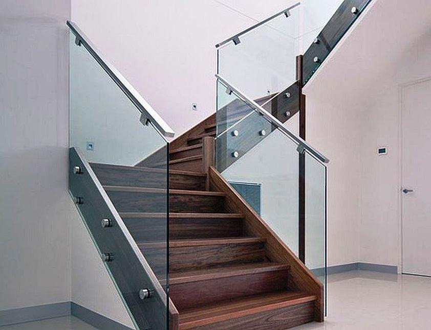 парень перила для лестниц из стекла фото настоящих